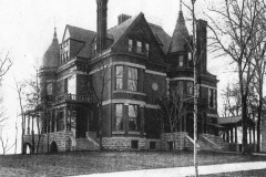 The St. Paul house that was torn down. Address was 276 Summit Avenue, About 1885