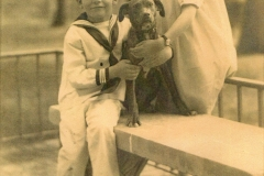"Florence Thompson Jefferson and Rufus ""Jim"" C. Jefferson with dog"
